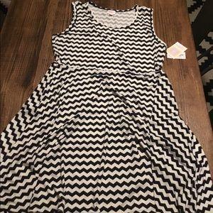 Black and white chevron dress NWT